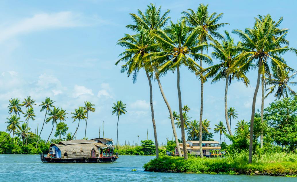 Kontrasty Indie, houseboat a pláže Keraly