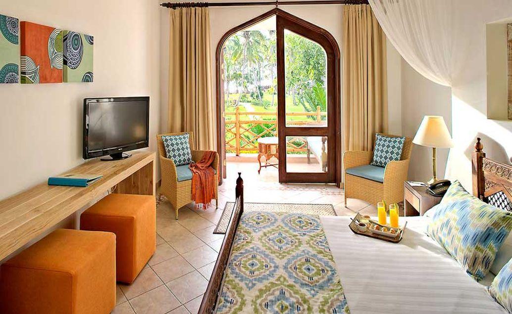 Bluebay Beach Resort & Spa 4****